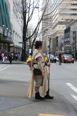 Sakura-con cosplayer